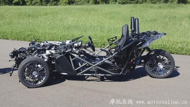 体验极速狂飙 奇葩三轮车也能肆虐公路